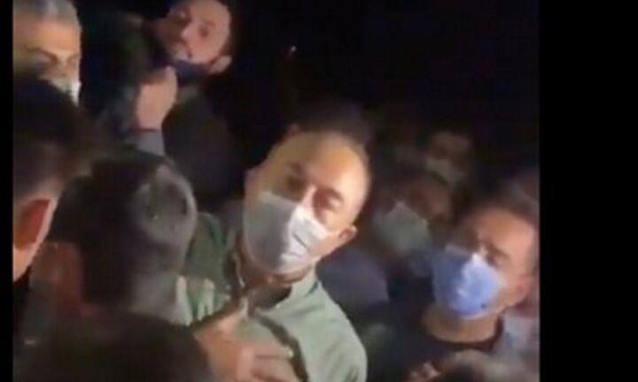 Πυρκαγιές στην Τουρκία: Οργισμένοι κάτοικοι επιτέθηκαν στον Μεβλουτ Τσαβούσογλου (vid)