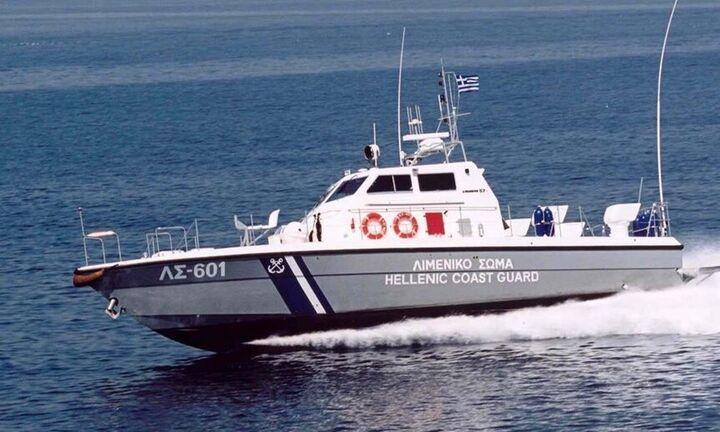 Λέσβος -Ναυάγιο: Το Λιμενικό έσωσε 9 άτομα στα τουρκικά χωρικά ύδατα - Αγωνία για τρεις αγνοούμενους