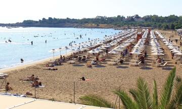 ΕTAΔ: Δωρεάν είσοδος σε οργανωμένες παραλίες για τρεις μέρες