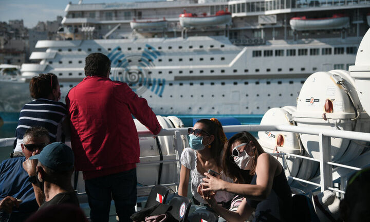 Πλακιωτάκης: «Μπλόκο» σε πάνω από 12.000 ταξιδιώτες- Επιστροφή από νησιά με υποχρεωτικό self test