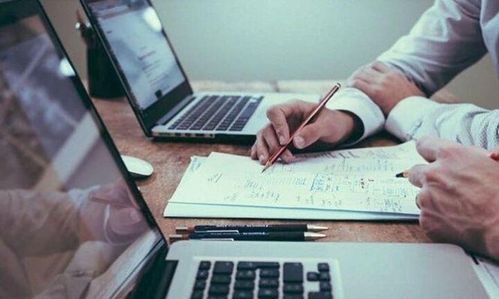 Μείωση των εκκρεμών συντάξεων για όγδοο μήνα - Aύξηση των νέων αιτήσεων