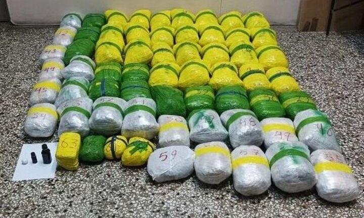 Καστοριά: Συλλήψεις έξι ατόμων που διακινούσαν 65 κιλά κάνναβης