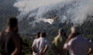 Πυρκαγιά στα Βίλια: Ολοκληρώθηκε η εκκένωση γηροκομείου