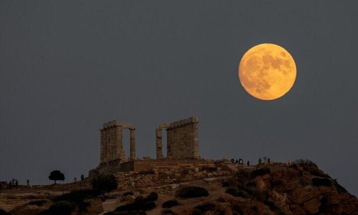 Πανσέληνος Αυγούστου: Ελεύθερη είσοδος σε 120 αρχαιολογικούς χώρους και μουσεία