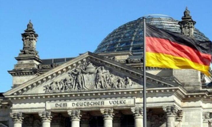 Γερμανία - δημοσκόπηση: Το SPD ξεπέρασε τους «πράσινους» - Φαβορί ο «εκλεκτός» της Μέρκελ