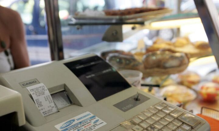ΑΑΔΕ: Ξεκινά σταδιακά από την 1η Σεπτεμβρίου ηδιασύνδεση των ταμειακών μηχανών με το Taxis