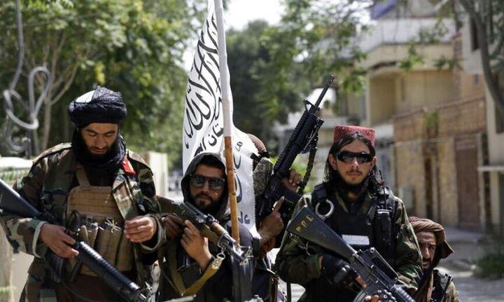 Η αφγανική ελίτ εγκαταλείπει τη χώρα