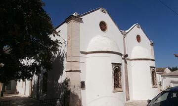 Εκκλησία στην Κρήτη μετατρέπεται σε εμβολιαστικό κέντρο - Τι είπε ο ιερέας