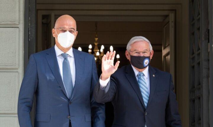 Συνάντηση Δένδια-Μενέντεζ: Οι στρατηγικές σχέσεις Ελλάδας-ΗΠΑ στο επίκεντρο