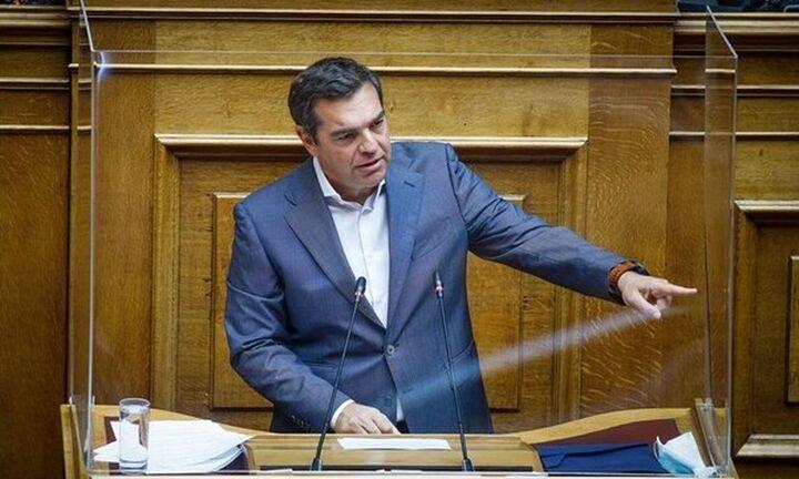 Αλ. Τσίπρας - Βουλή: Ύβρη στις σημερινές και τις επόμενες γενιές το ασφαλιστικό νομοσχέδιο