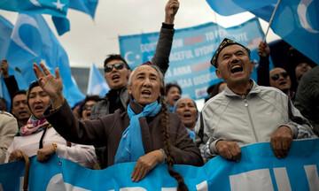 Έντονες αντιδράσεις: Γερμανικές εταιρίες επωφελούνται από την καταναγκαστική εργασία των Ουιγούρων