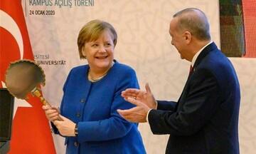 TAZ: Τι δεν πάει καλά στις ελληνογερμανικές σχέσεις - Από τα μνημόνια στα υποβρύχια στην Τουρκία