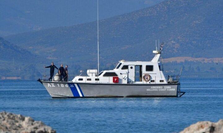 Εντοπίσθηκε σορός άνδρα στο λιμάνι του Πειραιά