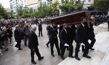Δείτε Live: Η Ελλάδα αποχαιρετά τον Μίκη Θεοδωράκη