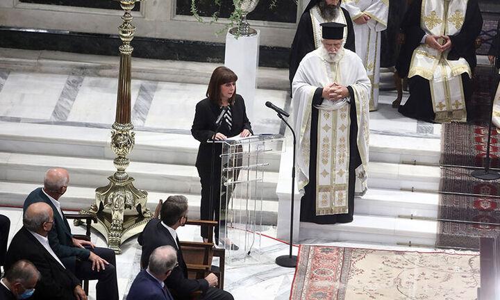 Κατερίνα Σακελλαροπούλου: «Λύγισε» στον επικήδειο λόγο για τον Μίκη Θεοδωράκη