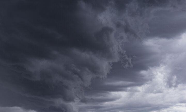 Φθινοπωρινό διάλειμμα 24 ωρών με βροχές, καταιγίδες και χαμηλές θερμοκρασίες