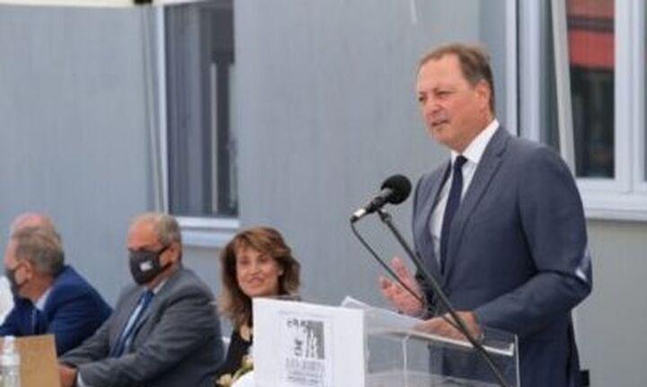 Ντόνελι: Οι ΗΠΑ να βοηθήσουν την Ελλάδα να «κόψει το σκοινί» με την Gazprom