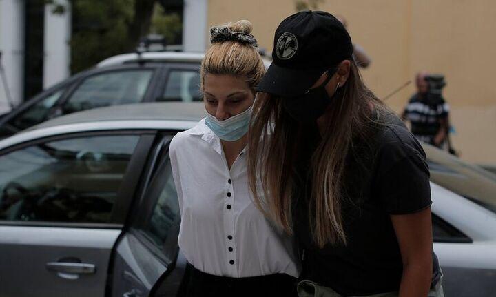 Προφυλακιστέο το μοντέλο-πρώην παίκτρια ριάλιτι και ο σύντροφος της για την υπόθεση με την κοκαΐνη