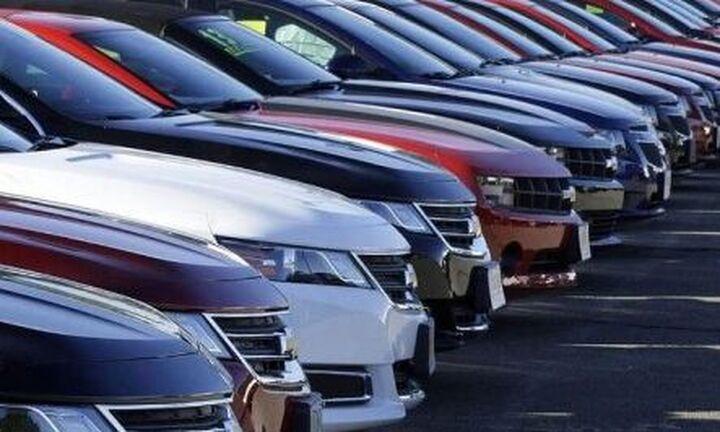 Υβριδικά, ηλεκτρικά και SUV οχήματα επιλέγουν οι Έλληνες