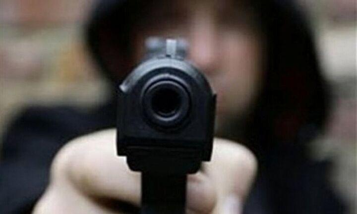 Ληστεία με βαρύ οπλισμό σε τράπεζα στο κέντρο της Αθήνας