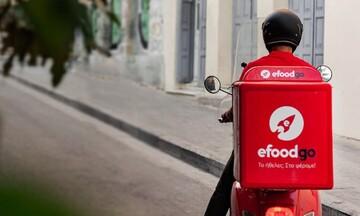 Αντιδράσεις για την μετατροπή των διανομέων σε μπλοκάκια: «Λάθος επικοινωνία» λέει η e-food