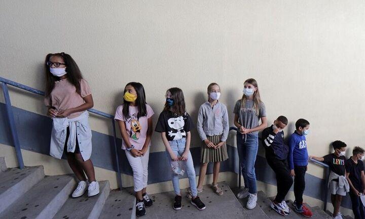 Κάθε Τετάρτη η ενημέρωση από τον ΕΟΔΥ για τα παιδιά πουνοσούν από κορωνοϊό