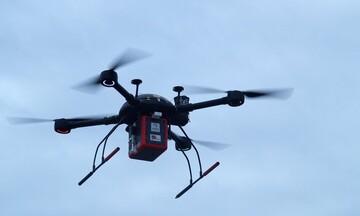 Πρωτοπορούν ξανά τα Τρίκαλα: Πραγματοποιήθηκε η πρώτη πτήση στην Ευρώπη μεταφοράς φαρμάκων με drone