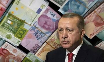 Απόφαση-έκπληξη του Ερντογάν για μείωση των επιτοκίων - Σε ιστορικό χαμηλό η τουρκική λίρα