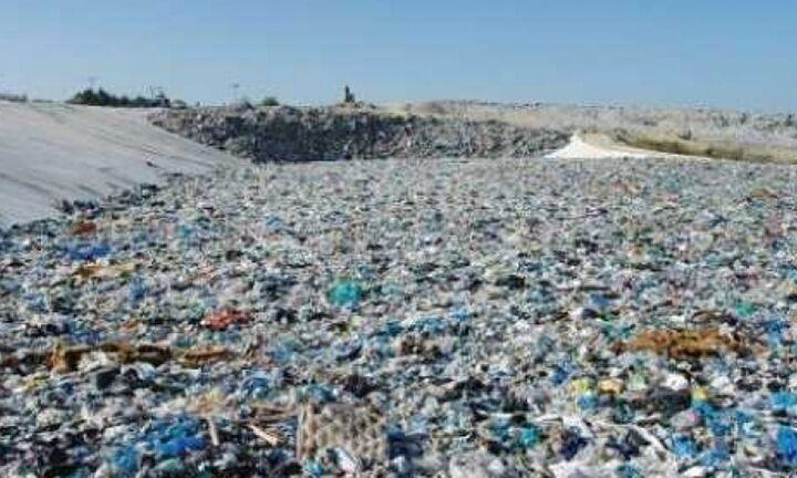 Μείωση 32% στα πρόστιμα από την ΕΕ για τους παράνομους χώρους ανεξέλεγκτης διάθεσης αποβλήτων