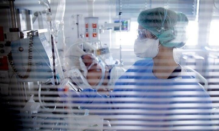 Συγκλονιστικές μαρτυρίες γιατρών που νοσηλεύτηκαν σε ΜΕΘ λόγω Covid
