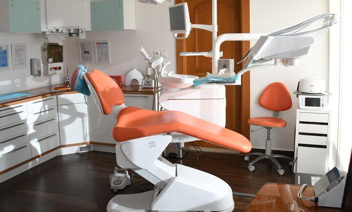 Θ. Πλεύρης: Δωρεάν τα μονοκλωνικά αντισώματα - Πώς θα γίνονται οι επισκέψεις στα οδοντιατρείας