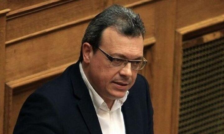 Σ. Φάμελλος: Καμία ρύθμιση στη Βουλή ενώ το κύμα ακρίβειας στο ρεύμα συνεχίζεται