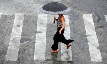 Καιρός: Βροχές, καταιγίδες και πτώση θερμοκρασίας την Πέμπτη (30/9)