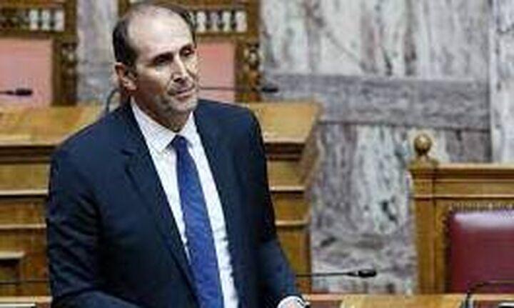 Κυβέρνηση: Όχι στις τροπολογίες ΣΥΡΙΖΑ και ΚΚΕ για μειώσεις σε Ειδικό Φόρο Κατανάλωσης και ΕΝΦΙΑ