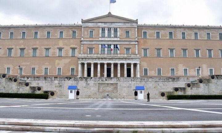 Στη Βουλή κατατέθηκε η αμυντική συμφωνία Ελλάδας και Γαλλίας