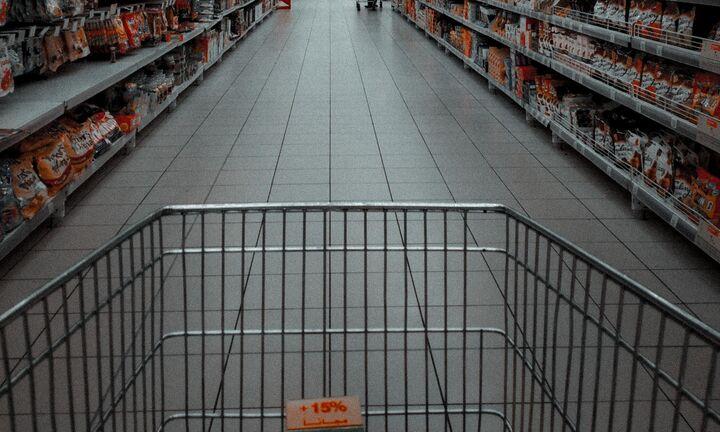 Ακριβαίνει το καλάθι του σουπερμάρκετ - Δραστικές παρεμβάσεις για την ακρίβεια υπόσχεται η κυβέρνηση