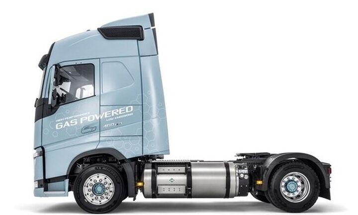 Όμιλος ΤΙΤΑΝ: Εντάσσει στο στόλο του το πρώτο φορτηγό που κινείται με «καθαρό καύσιμο» LNG