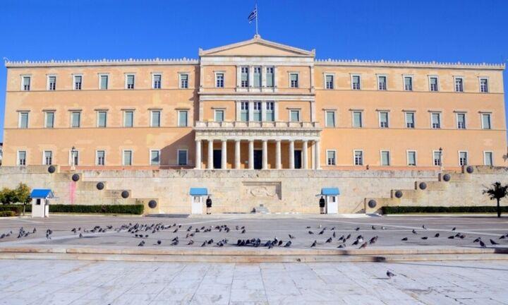 Βουλή: Υπερψηφίστηκε η Αμυντική Συμφωνία Ελλάδας και Γαλλίας - Την Πέμπτη στην Ολομέλεια