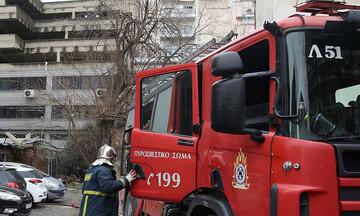 Συναγερμός στην Πυροσβεστική - Φωτιά ξέσπασε σε υπόγειο κτιρίου τράπεζας στη Σταδίου