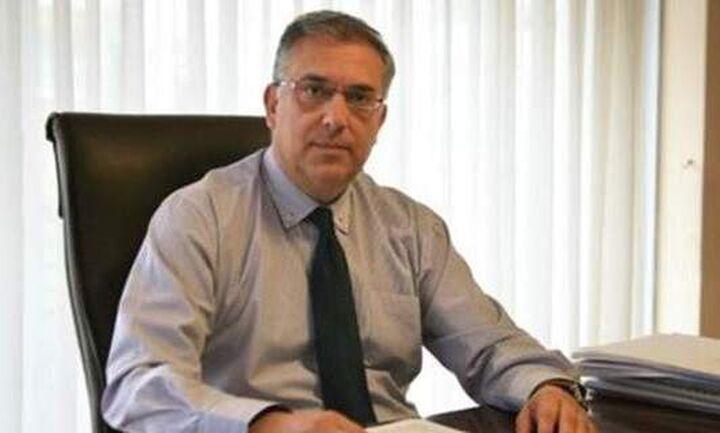 Τ. Θεοδωρικάκος: Επισκέφθηκε τον αστυνομικό που τραυματίστηκε σε συμπλοκή στην πλατεία Βάθη