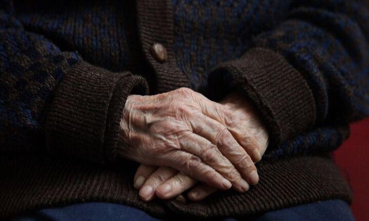Αφαίρεσαν χρήματα και κοσμήματα από ηλικιωμένη προσποιούμενοι τους τεχνικούς της ΔΕΗ