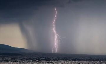Βροχές, καταιγίδες, χιόνια στα ορεινά και πτώση θερμοκρασίας φέρνει αύριο η κακοκαιρία «Μπάλλος»