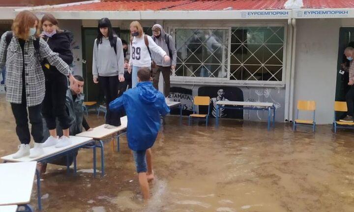 Κλειστά τα σχολεία σήμερα και αύριο στην Αττική λόγω της κακοκαιρίας