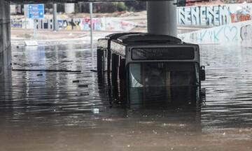 Εισαγγελική έρευνα για την βύθιση λεωφορείου σε γέφυρα στην πααραλιακή