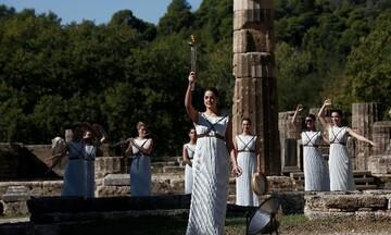 Αναψε η Ολυμπιακή Φλόγα στην Αρχαία Ολυμπία