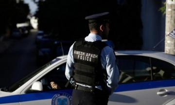 Ρόδος: Επιτέθηκε σε αστυνομικούς με κουζινομάχαιρο