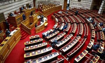 Βουλή: Υπερψηφίστηκε το ν/σ για το πλαίσιο εκπαίδευσης και εξέτασης υποψηφίων οδηγών